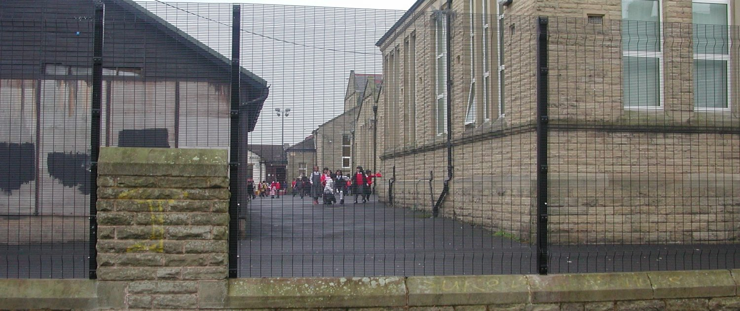 A photo of a Securifor 3D high security anti climb fence around a school boundary