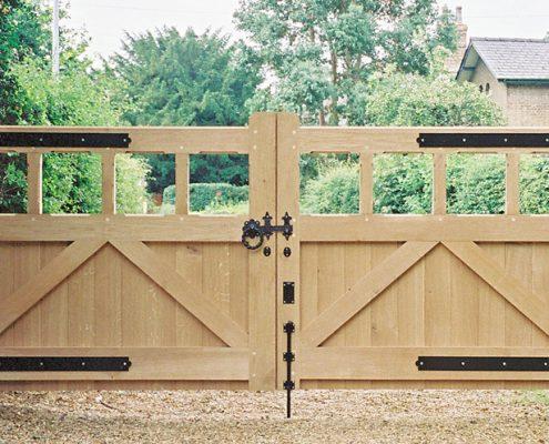 Aldeburgh Gates - Wooden Entrance Gate