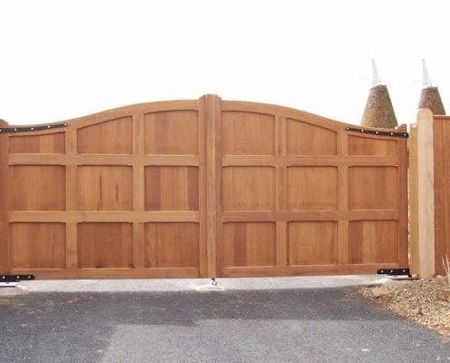 Framlington Gates Style Wooden Entrance Gates