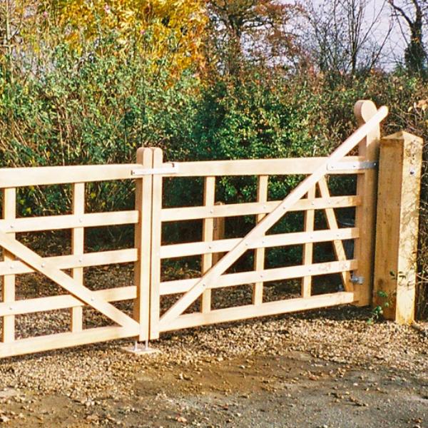 five bar field gates raised halve gate